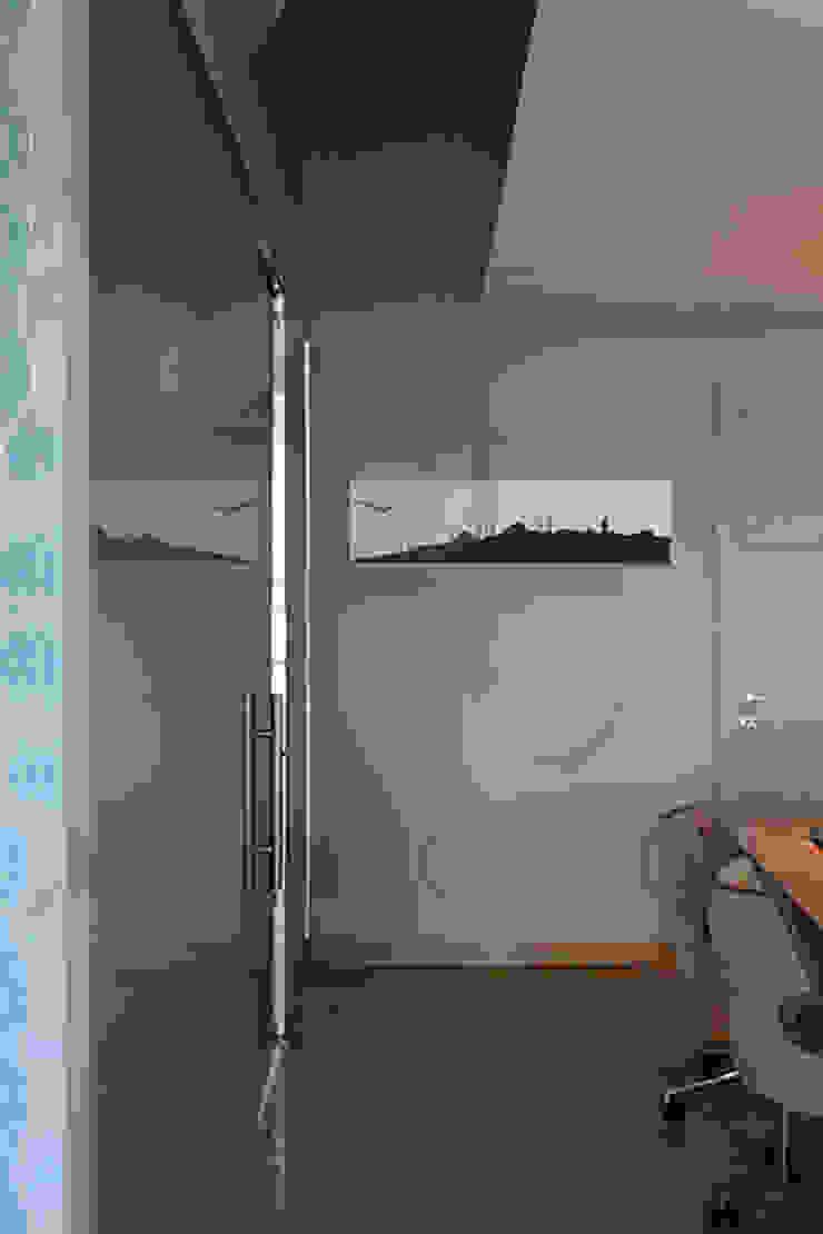 Serenay Ambalaj Office Modern office buildings by Pebbledesign / Çakıltașları Mimarlık Tasarım Modern