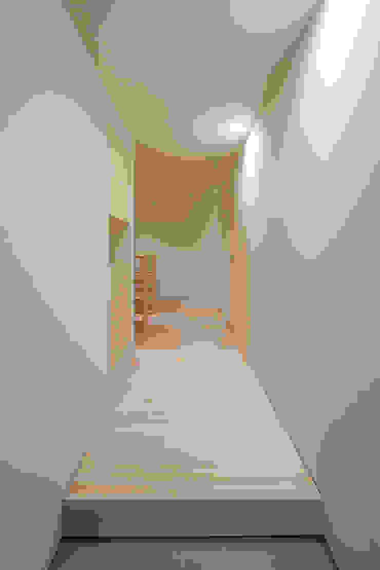 玄関 ミニマルな 家 の 川添純一郎建築設計事務所 ミニマル