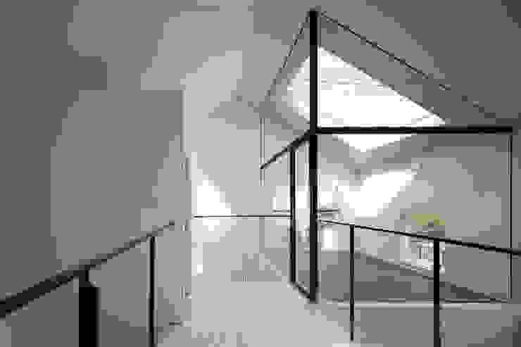 2階 ミニマルな病院 の 川添純一郎建築設計事務所 ミニマル