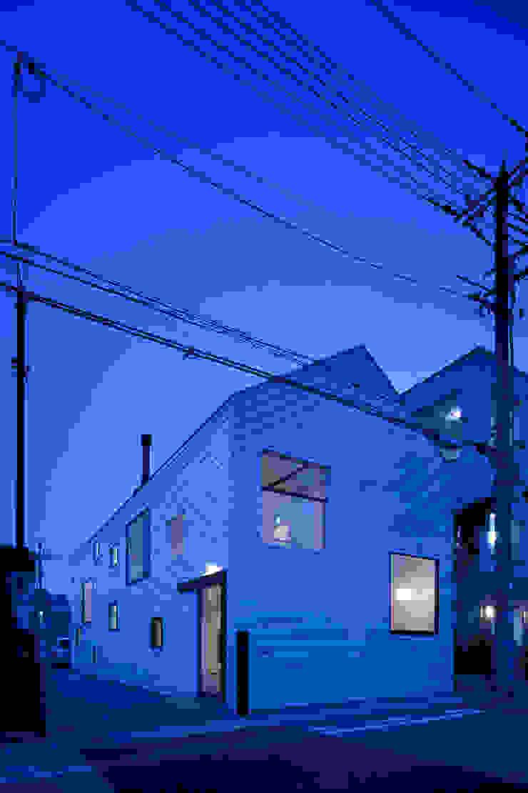 外観夜景 ミニマルな病院 の 川添純一郎建築設計事務所 ミニマル