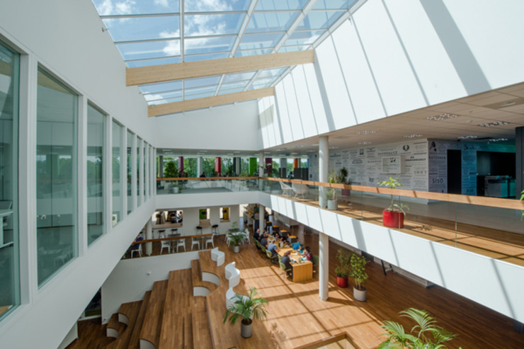 NBD Biblion: modern  door Liag Architecten en Bouwadviseurs, Modern