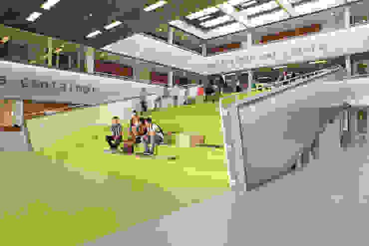 modern  by Liag Architecten en Bouwadviseurs, Modern
