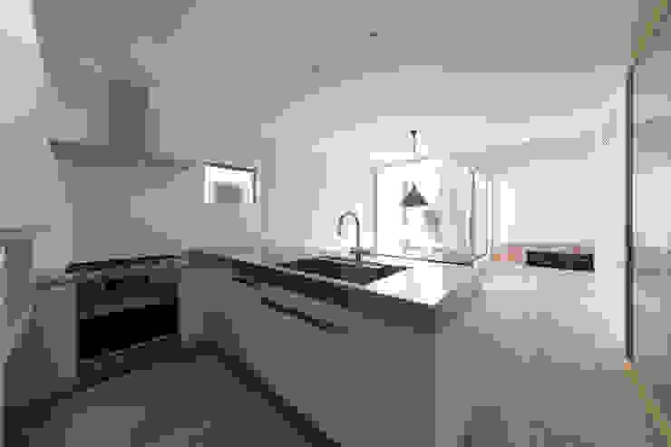 都市型アウトドアハウス: ラブデザインホームズ/LOVE DESIGN HOMESが手掛けたキッチンです。