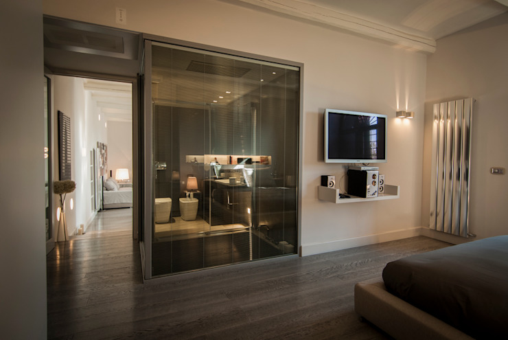 vetrate luxaclair Case moderne di FSD Studio Moderno
