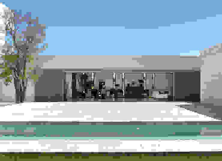 Intérieur / extérieur Maisons minimalistes par Hamerman Rouby Architectes Minimaliste