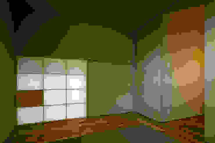 オオヤネコート モダンな 壁&床 の 有限会社TAO建築設計 モダン