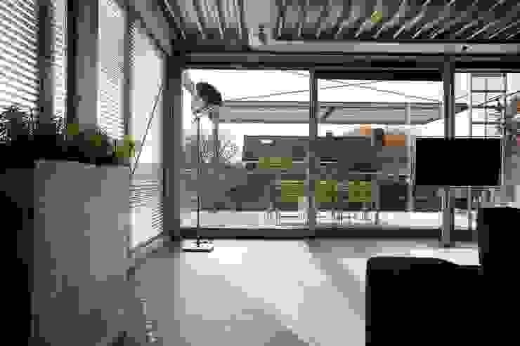 Modern living room by Archipelontwerpers Modern