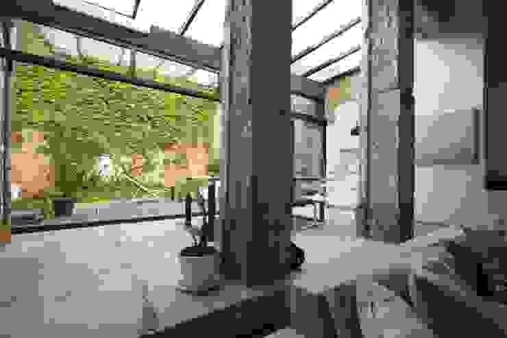 Moderne Wohnzimmer von New Home Agency Modern