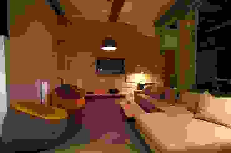 Loft france Salon moderne par New Home Agency Moderne