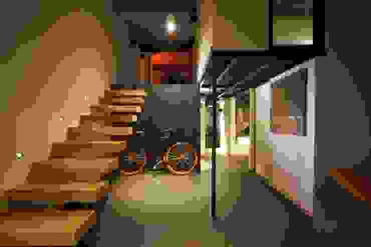 Modern Koridor, Hol & Merdivenler New Home Agency Modern