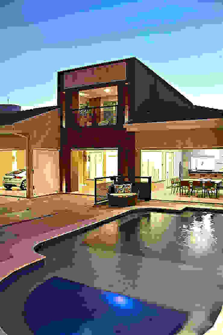 Equilíbrio Arrojado Casas modernas por VERONEZE ARQUITETURA Moderno