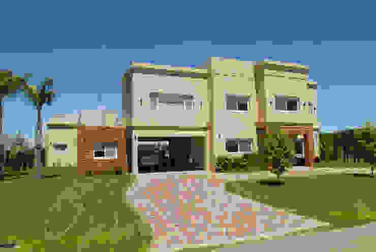 Дома в стиле модерн от Opra Nova - Arquitectos - Buenos Aires - Zona Oeste Модерн