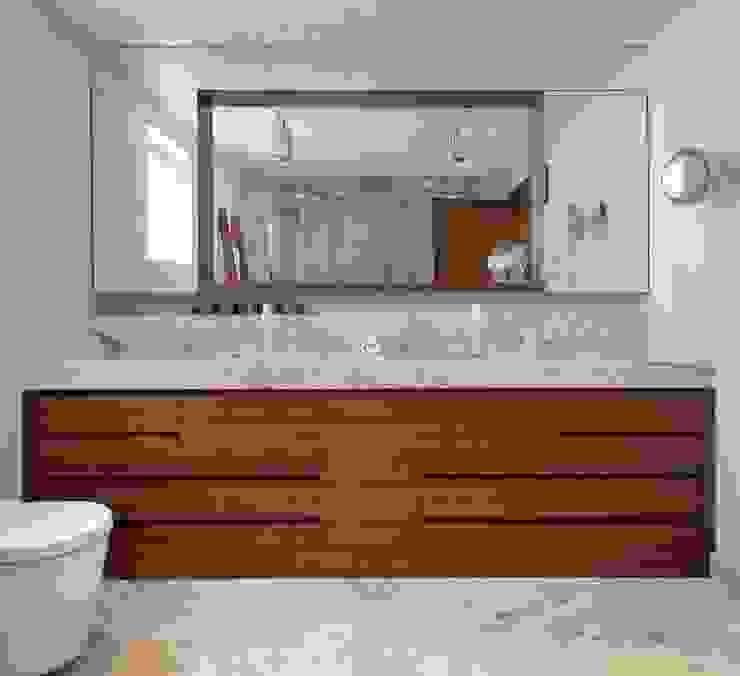House E - E Evi Modern Banyo HANDE KOKSAL INTERIORS Modern