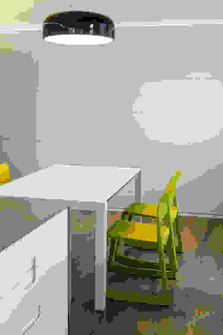 cucina dettaglio Sala da pranzo eclettica di Plastudio Eclettico