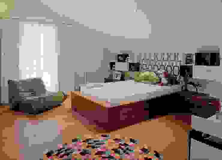 HANDE KOKSAL INTERIORS Modern Bedroom