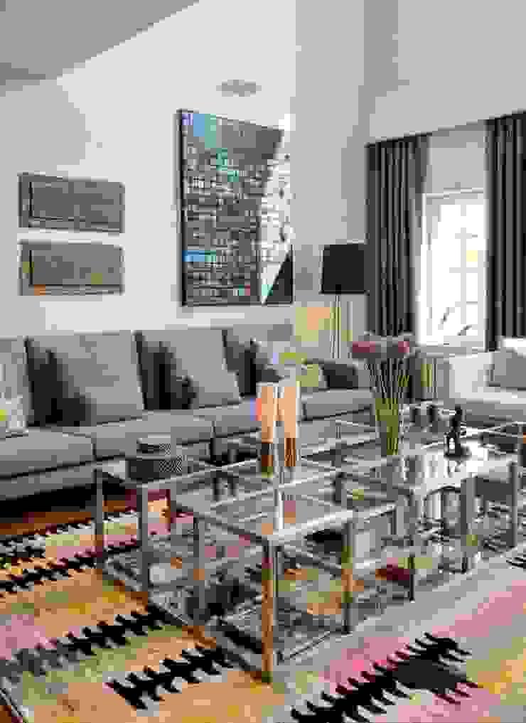 HANDE KOKSAL INTERIORS Modern Living Room