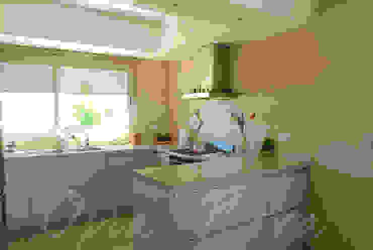 Cocina Cocinas modernas de Opra Nova - Arquitectos - Buenos Aires - Zona Oeste Moderno