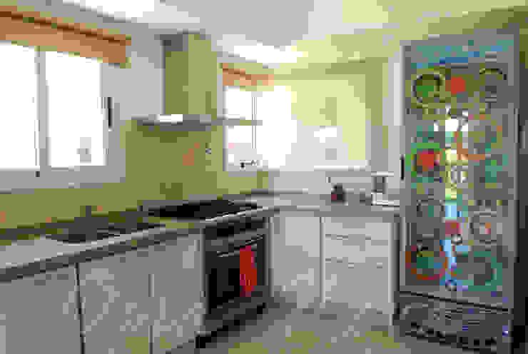 Кухня в стиле модерн от Opra Nova - Arquitectos - Buenos Aires - Zona Oeste Модерн