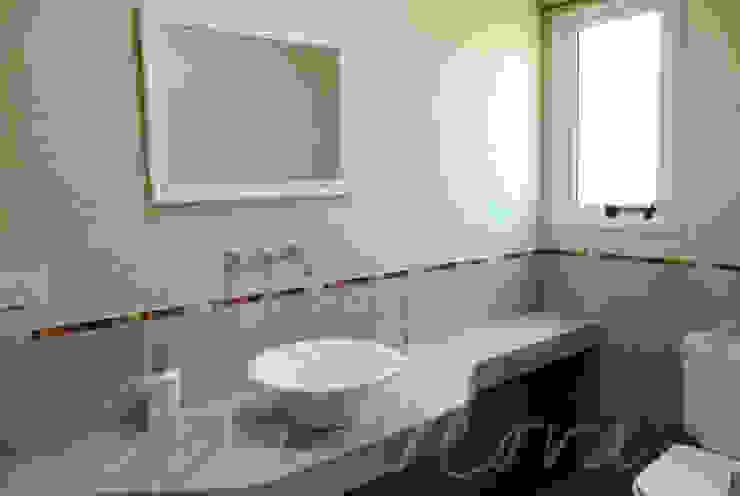 Bathroom by Opra Nova - Arquitectos - Buenos Aires - Zona Oeste