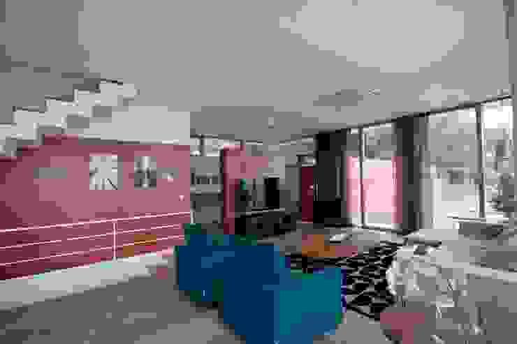 Modern Living Room by HANDE KOKSAL INTERIORS Modern