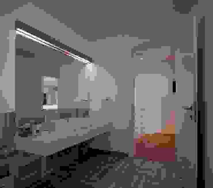 Modern Bathroom by HANDE KOKSAL INTERIORS Modern