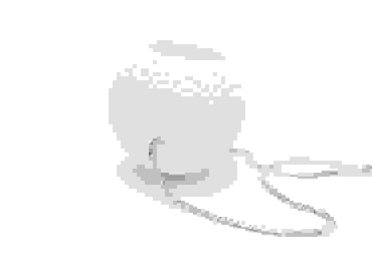 Porselein - zilver halsketting van Margot Thyssen Ceramics & Design