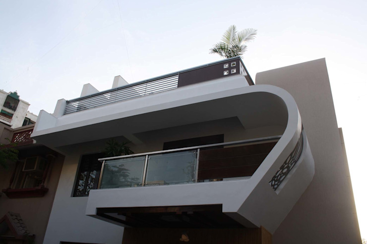 Residence of Mr.Mangaldas bhai: modern  by Pandya & Co.,Modern