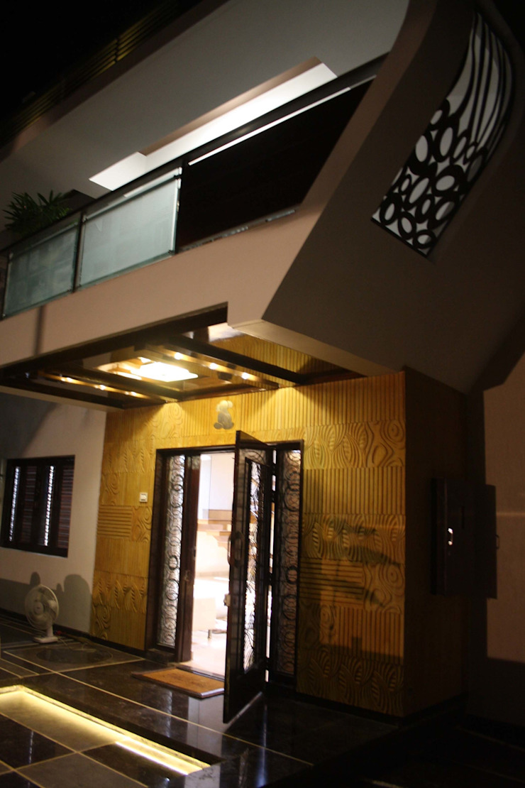 Bungalow of Shri Mangaldas bhai : modern  by Pandya & Co.,Modern
