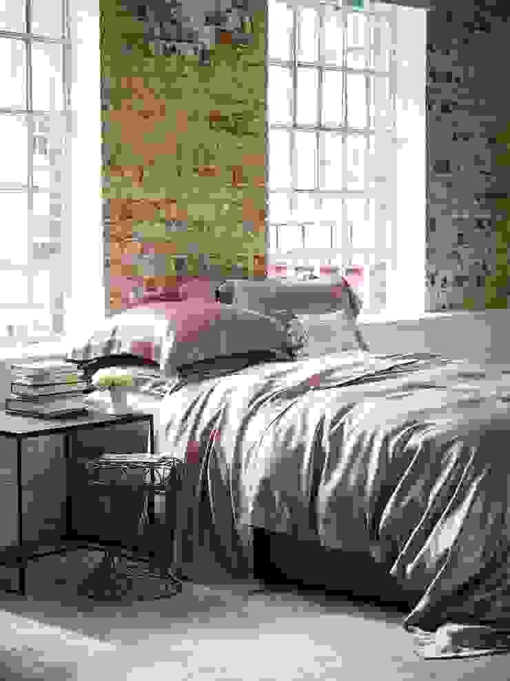 Pink silk bed linen: modern  by Gingerlily, Modern Silk Yellow
