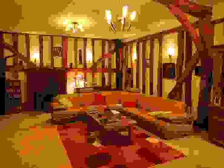 Grade 2 listed barn lighting design: rustic  by Aura Designworks Ltd, Rustic