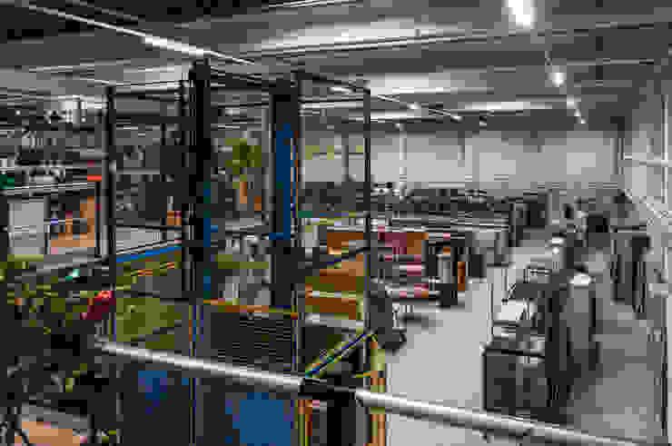 FTA Hamburg – Film- und Theaterfundus: industriell  von Aumann Katzsch Architekten GmbH,Industrial