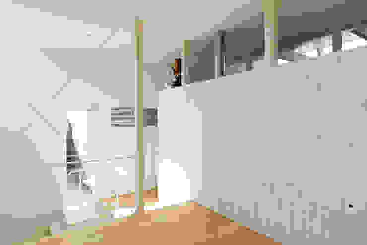 ロフト空間 モダンデザインの 多目的室 の 一級建築士事務所 Atelier Casa モダン