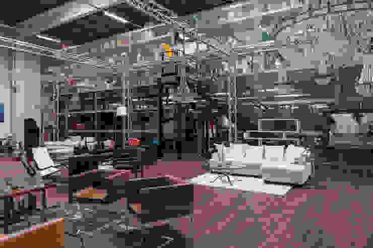 FTA Hamburg - Film- und Theaterfundus: industriell  von Aumann Katzsch Architekten GmbH,Industrial