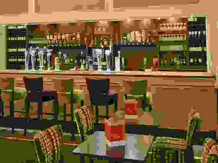 Thurrock Hotel, Aveley, Essex: classic  by Aura Designworks Ltd, Classic