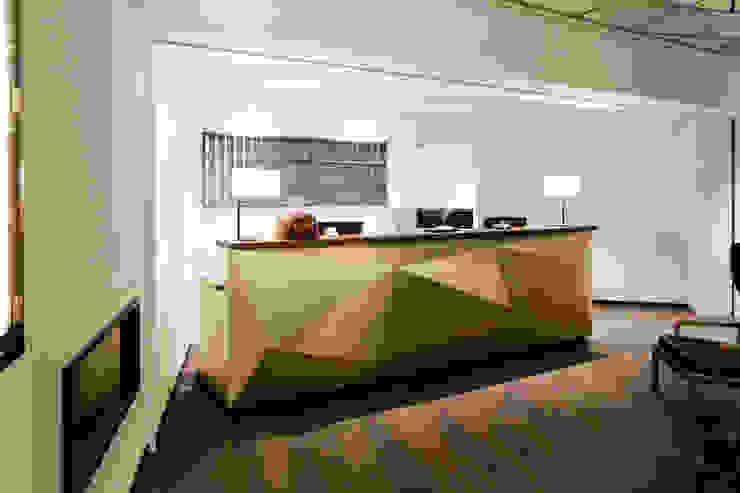 Hotel City, Zurich Modern corridor, hallway & stairs by Studio Frey Modern