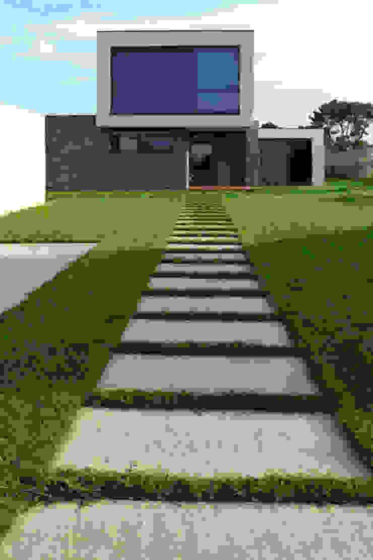 Vivienda en Pravio de AD+ arquitectura Moderno