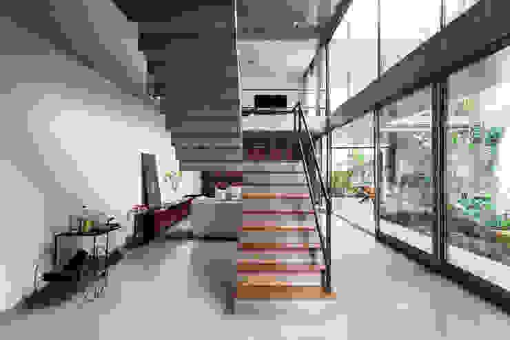 CASA JARDINS Casas por CR2 Arquitetura