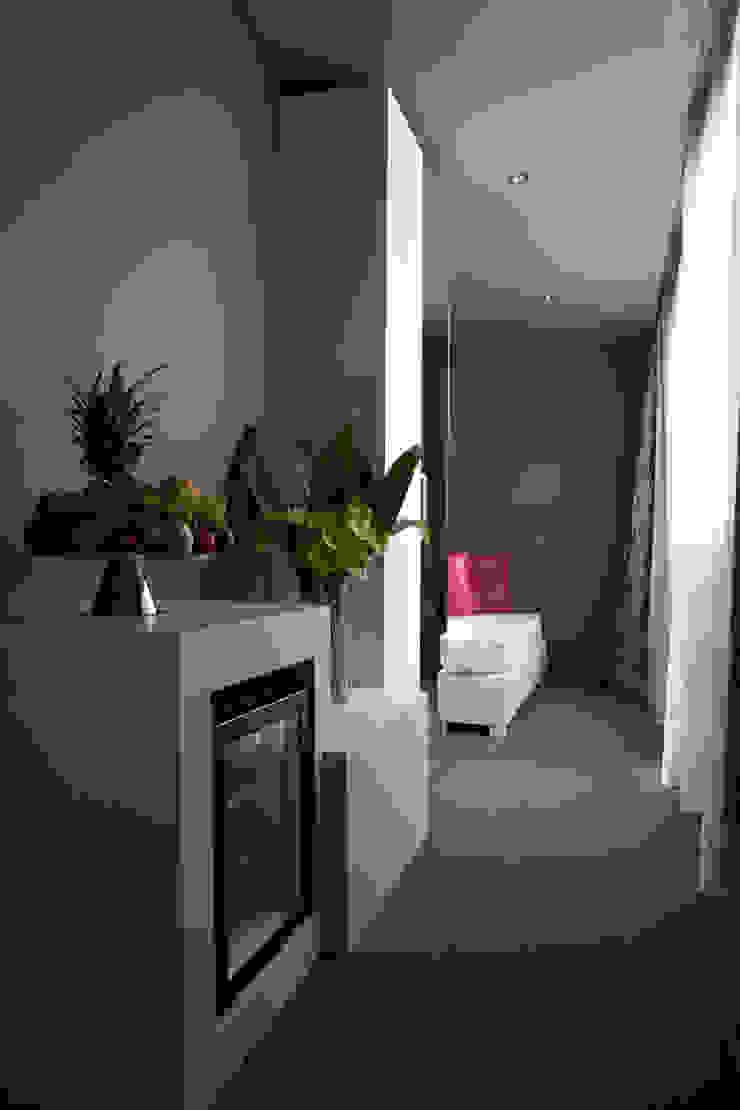 Smart Hotel di Architetto Federica Frattarolo Studio Moderno