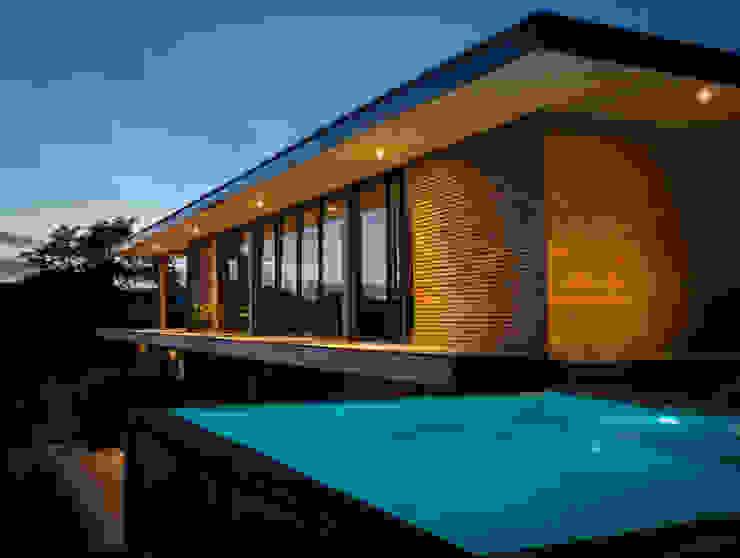 DreamHouse par SARL naturARCH Moderne