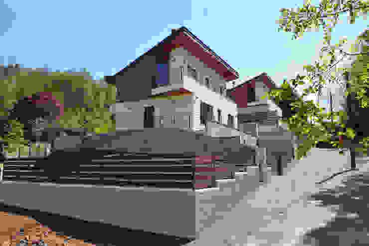 CASE TERRAZZE MONTICELLO Case moderne di EMMANUELLO | ARCHITETTURA | DESIGN Moderno
