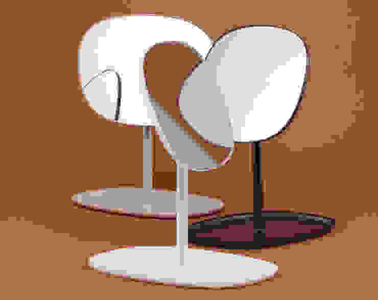 Flip mirror de Javier Moreno studio Escandinavo