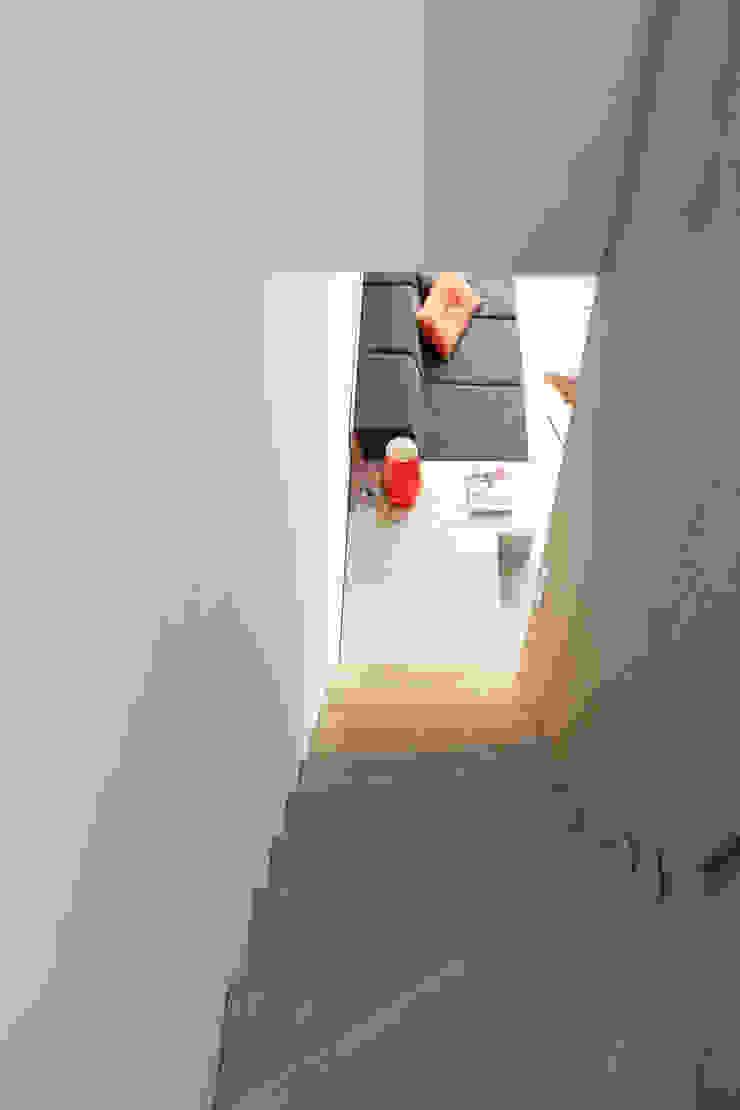 Casas de estilo minimalista de 8A Architecten Minimalista