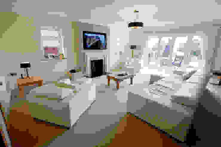 Living Room Modern living room by Amina Modern