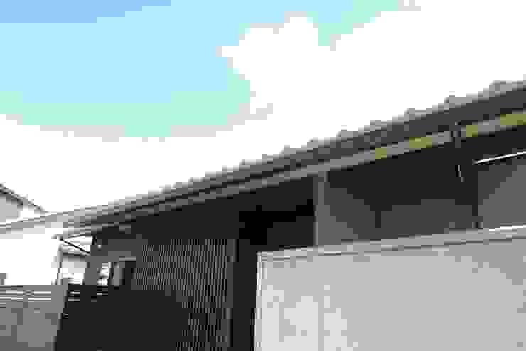 平屋のコートハウス オリジナルな 家 の 新明設計 オリジナル