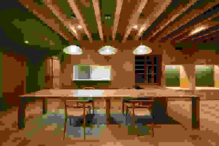 Dining: 一級建築士事務所 Kenso Architectsが手掛けたクラシックです。,クラシック