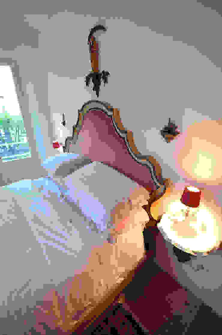 Ristrutturazione di appartamento privato in immobile di fine '800 Case classiche di Valeria Sdraiati Classico
