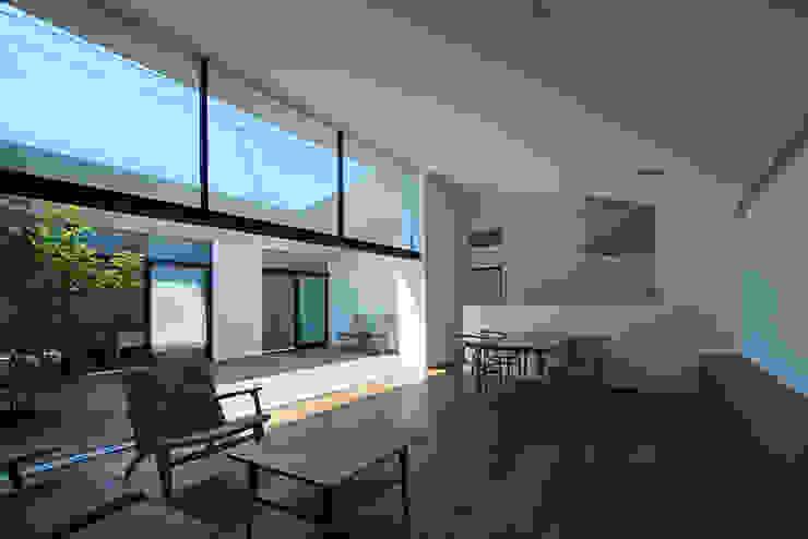 箱森町の家 モダンデザインの リビング の 石井秀樹建築設計事務所 モダン