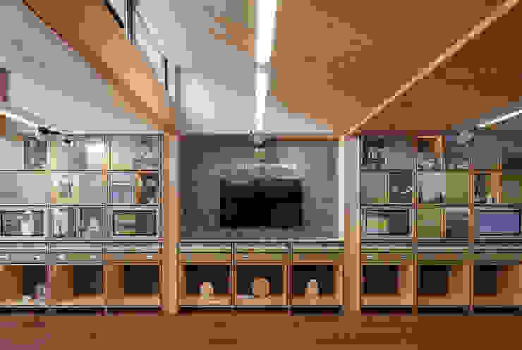Ralph Allen Yard by Hewitt Studios