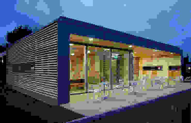 Straw Bale Cafe by Hewitt Studios