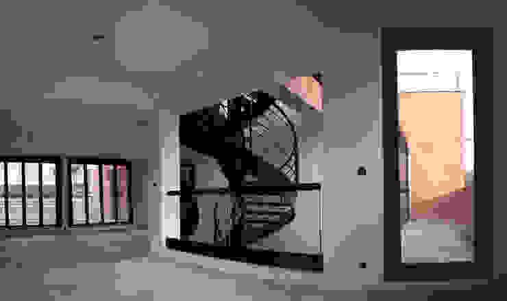 Villa Montsouris. Bibliothèque 2 étage. Atelier Morales par Atelier Morales Moderne